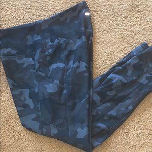 XL Camo leggings